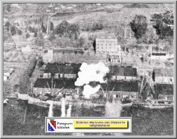 Fra Porsgrunn folkebiblioteks fotoarkiv: MS Scharnhorn bombes av RAFs Mosquito-fly ved Menstad-kaiene langfredag 1945. 32 Mosquitos fra skvadronene 143,235,248 og 333 (norsk?) senket også de eldre norske damperne Gudrid, Svanfjell og Torafire